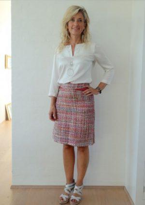 Bouclè nederdel med skind detalje