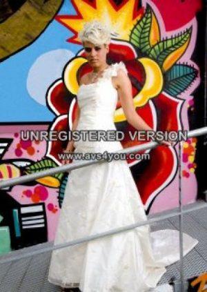 Helt unik brudekjole i broderet silke