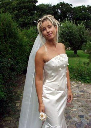 Smuk brudekjole i silke satin