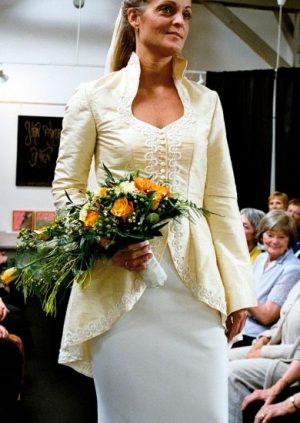 Brudekjole med rokoko jakke og havfrue nederdel