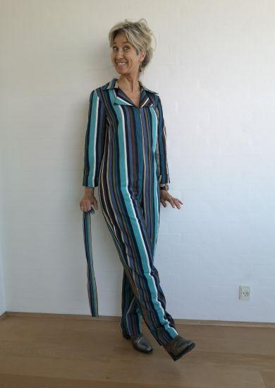 Stribet buksedragt uden bælte