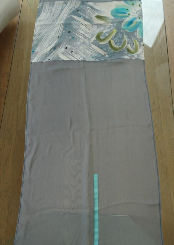 Unika silketørklæde i grå tyrkis