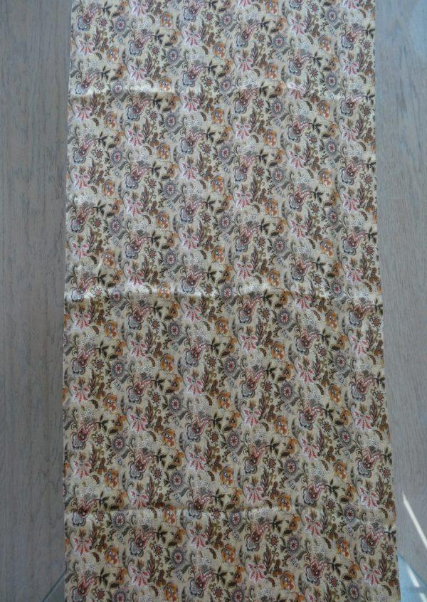 Silketørklæde med sjalsmønster i camel