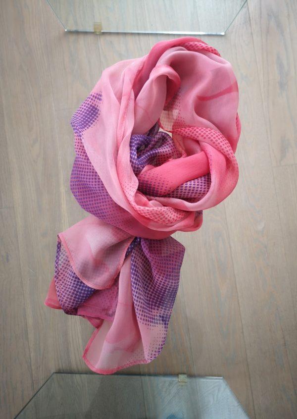 Stort chiffon silketørklæde med prikker