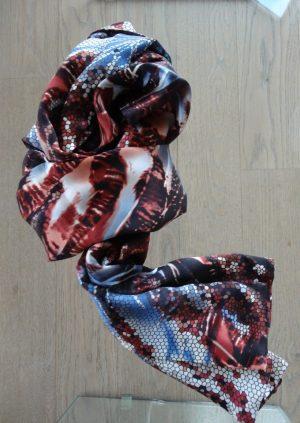 Silketørklæde i rustrød og blå