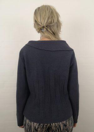 Grå lilla uld bluse med asymetrisk krave