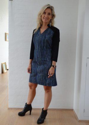 Cowboy kjole med en unik halsudskæring
