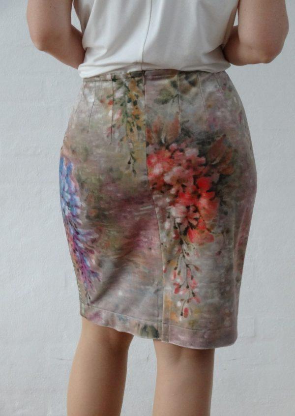Velour nederdel med sommer blomster