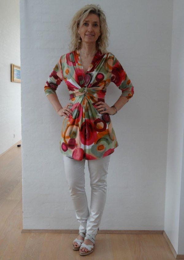 Knude bluse i flot farve palet