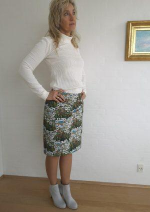Nederdel med lommer i eventyrstof