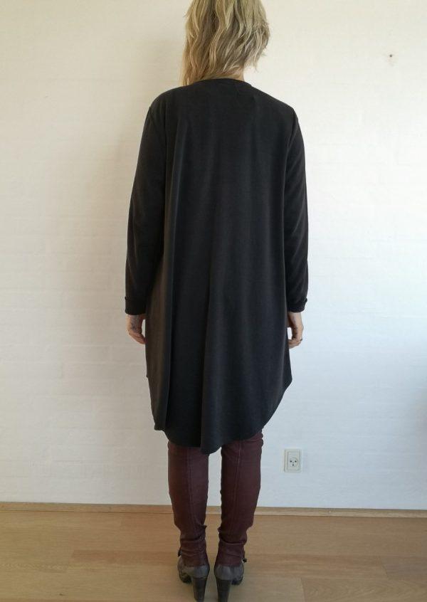 Asymetrisk cardigan i blød cupro