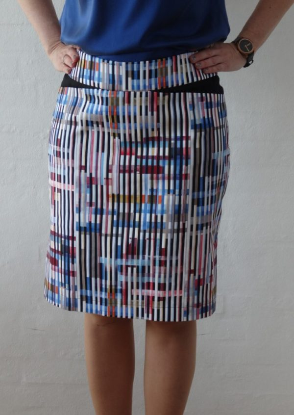 Stribet nederdel i multicolor med lommer