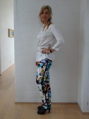 Grafiske bukser multicolor med stribe
