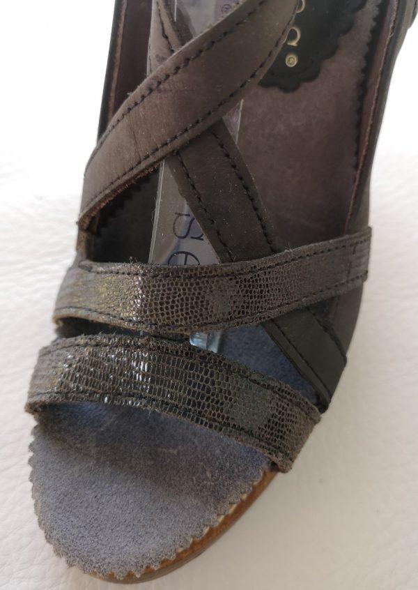 Sorte Neosens heels i reptilskind