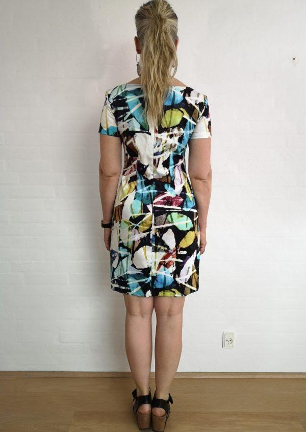 Grafisk kjole med lommer