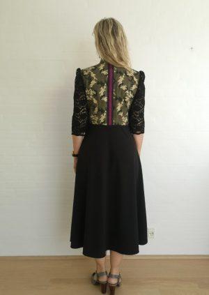 Camo kjole med blonde ærme