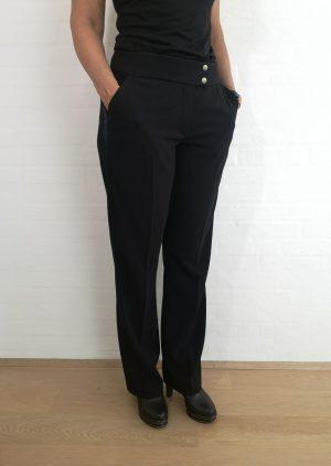 Klassiske sorte bukser med bånd